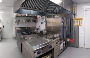 Instalación de cocina en escuela privada